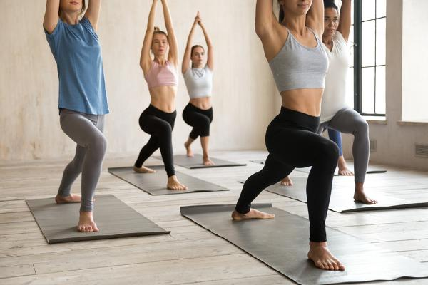10-types-of-yoga-in-the-check-which-style-suits-you-Vinyasa-yoga