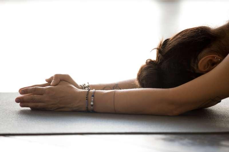 Grandir-Spirituellement-Avec-Jivamukti-Yoga-et-obtenir-en-équilibre-bannière