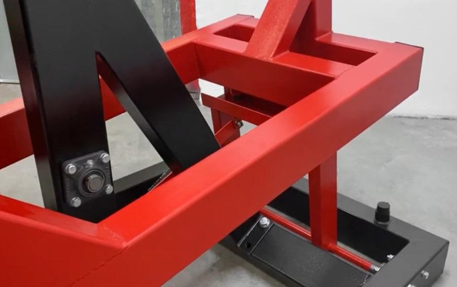 Standing Chest Press Machine 12