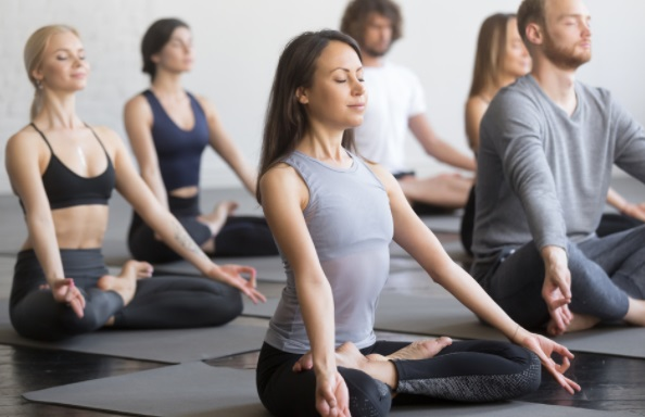 A Definitive Guide to Wholesale Yoga Wear 1