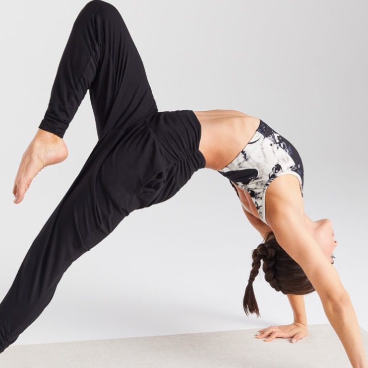 A Definitive Guide to Wholesale Yoga Wear 3
