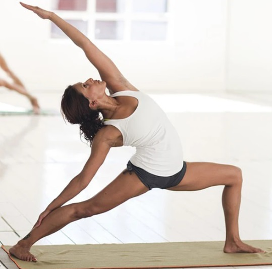 A Definitive Guide to Wholesale Yoga Wear 9