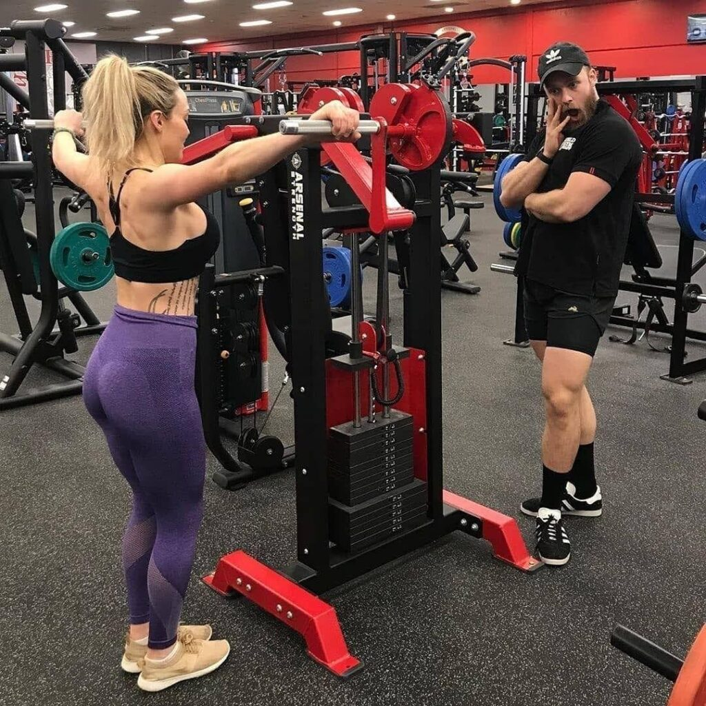 Standing Lateral Raise Machine 10